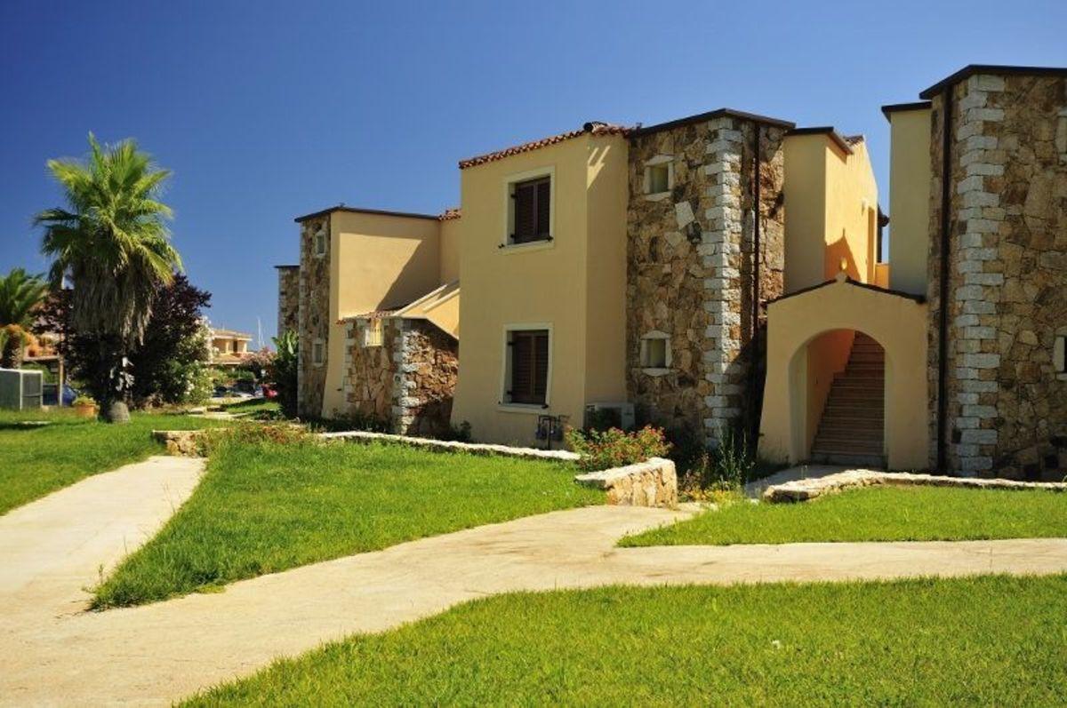 Vol residence della marina 4 loc voiture depart demain for Residence agrustos